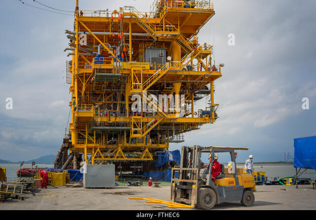 Oil rig hook up