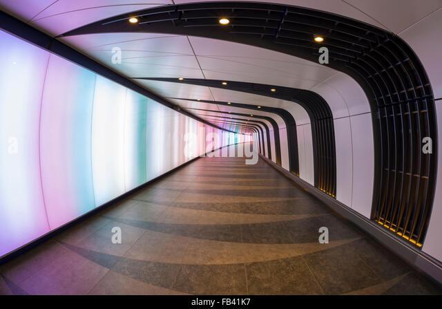 Light Wall Pedestrian Tunnel Kings Cross : Train Station Futuristic Design Stock Photos & Train Station Futuristic Design Stock Images - Alamy