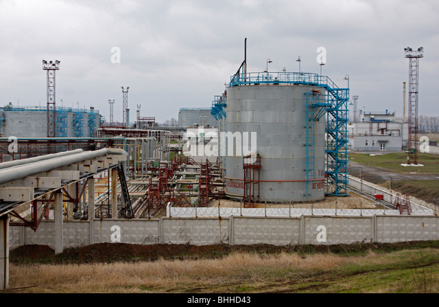 tnk bp Russian crude producer tnk-bp tnbpmm, which is being taken over by state oil company rosneft (rosnmm), posted a 13 percent drop in 2012 net income on thursday due to higher taxes.
