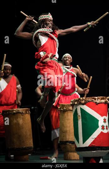 burundi drums Amazing drum show from burundi amazing drum show from burundi skip navigation sign in  les tambours du burundi en belgique (burundi drummers) - duration: 17:35 la burundaise 32,975 views.