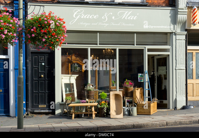 Furniture on the pavement outside the shop of Grace   Mai Antique and  Vintage French Furniture. Vintage Furniture Shop London Stock Photos   Vintage Furniture