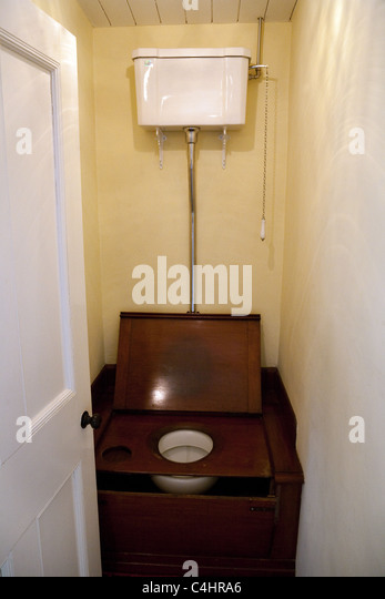 Old Fashioned Toilets Uk
