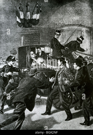 http://l7.alamy.com/zooms/b038f1e0e71744c49c6c08a7f2647f15/king-umberto-i-of-italy-is-assassinated-on-29-july-1900-bgk2nf.jpg