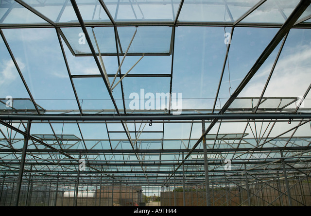 Ventilating stock photos ventilating stock images alamy for Greenhouse skylights