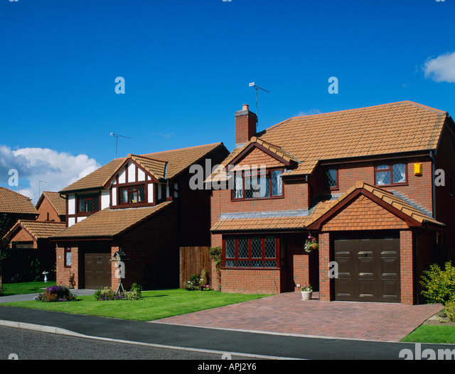 1994 Northern Ireland Lada Riva Estate For Sale: Detached Houses Uk Stock Photos & Detached Houses Uk Stock