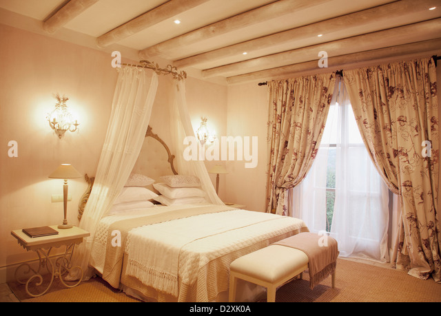 Canopy Bed Stock Photos Canopy Bed Stock Images Alamy