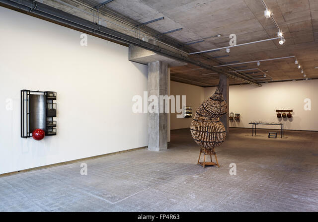 Chinese avant garde emblematic contemporary art exhibition for Raw space architects