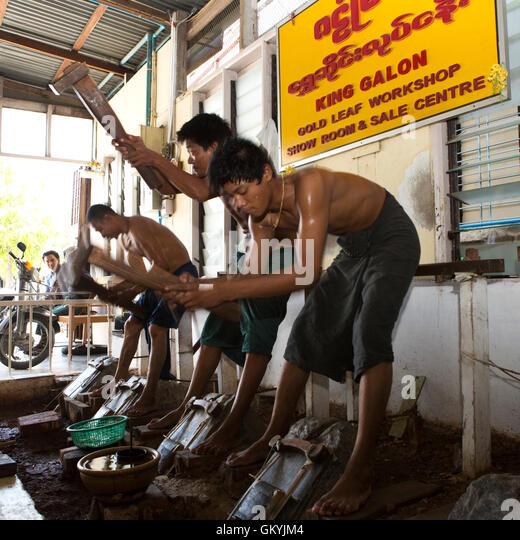 Peddinghaus Workshop Myanmar: Burmese Men Stock Photos & Burmese Men Stock Images