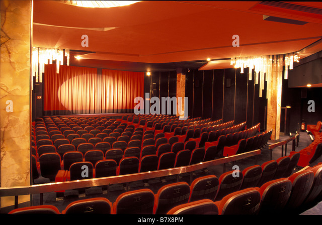 le balzac cinema stock photos le balzac cinema stock images alamy. Black Bedroom Furniture Sets. Home Design Ideas