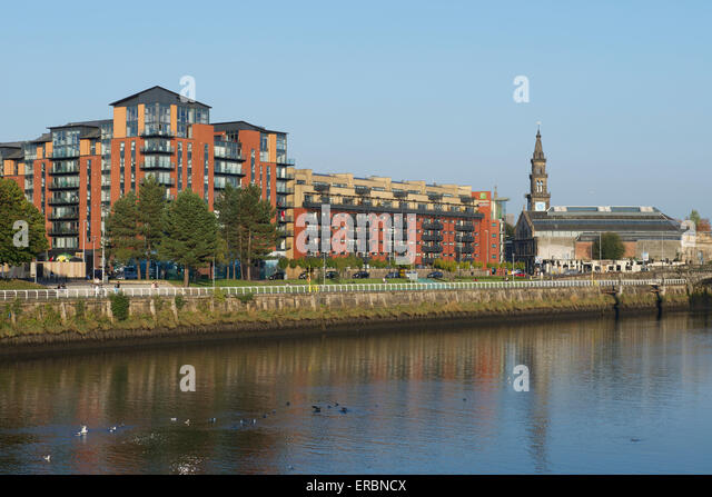 Clyde street stock photos clyde street stock images alamy for Apartments across from motor city casino