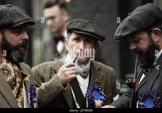Pipe Smokers Stock Photos Amp Pipe Smokers Stock Images Alamy