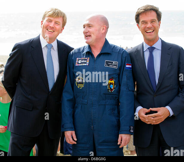Maurits Hendriks Netherlands Prime Minister Mark Rutte L: Andre Kuipers Stock Photos & Andre Kuipers Stock Images