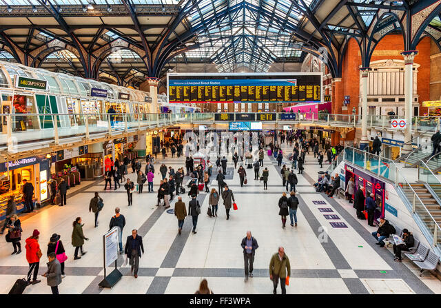 Liverpool street stock photos liverpool street stock - Stansted express ticket office liverpool street ...