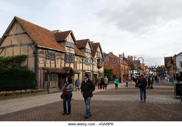 William Shakespeare's birthplace on Henley Street, Stratford Upon Avon with Sightseers tourists - Stock Image