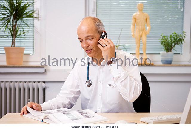 Doctor Book Stock Photos Amp Doctor Book Stock Images Alamy