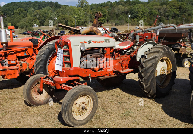 Ford 901 Powermaster Tractor : Stock photos images alamy