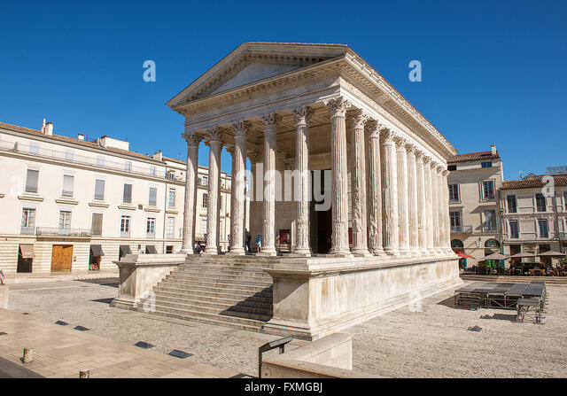 Nimes france street stock photos nimes france street - Maison carree nimes ...