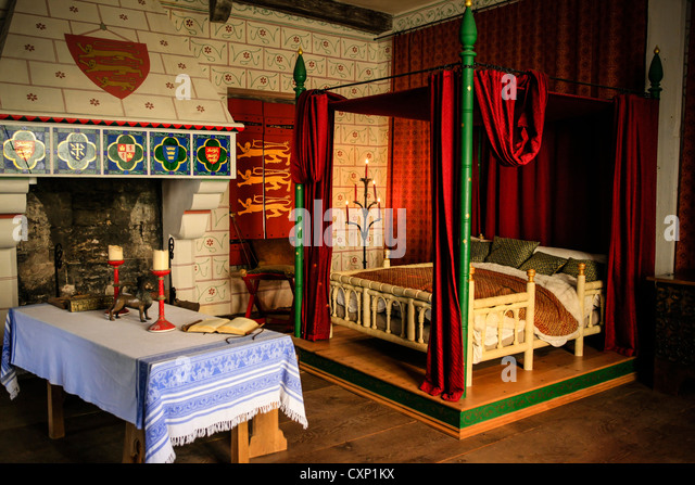 Medieval Bed Bedroom Chamber Stock Photos & Medieval Bed ...