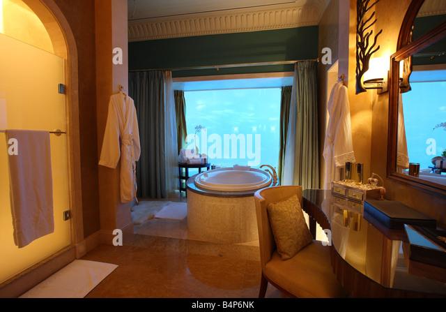 Atlantis Hotel The Palm Dubai United Arab Emirates Underwater Suite With