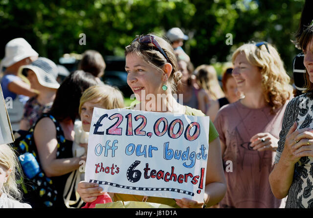 Brighton, UK. 26th May, 2017. Parents from Brighton and Hove schools take part in the 'Save Our Schools' - Stock Image
