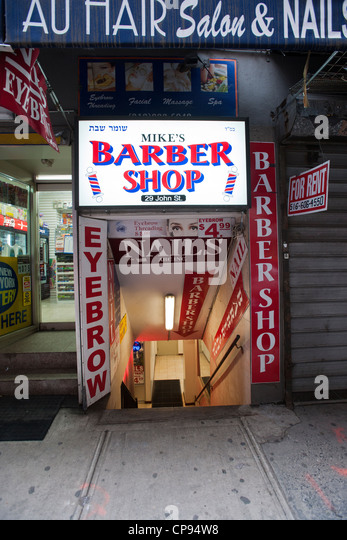 Old Fashioned Barber Shop In Stock Photos & Old Fashioned Barber Shop ...