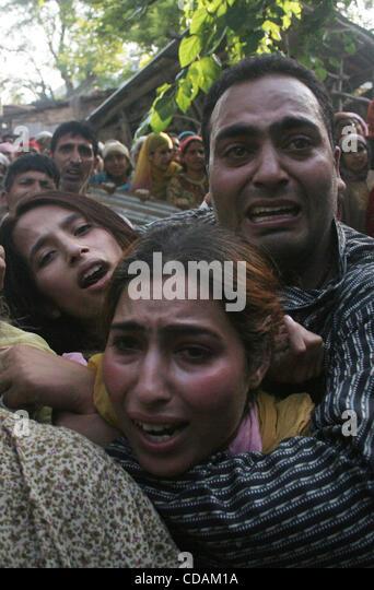 kashmiri muslm Women cry during the funeral of Feroz <b>Ahmad Malik</b> in Palhalan ... - kashmiri-muslm-women-cry-during-the-funeral-of-feroz-ahmad-malik-in-cdam1a
