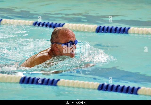 how to take swim meet photos