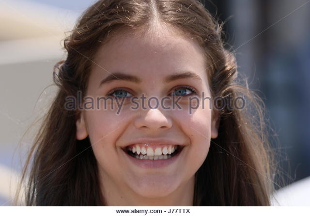 barbara palvin teeth - photo #8