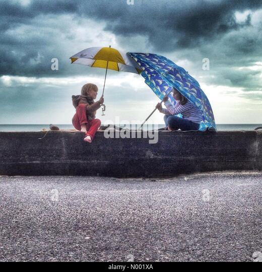 poole-uk-01st-apr-2015-uk-weather-colour