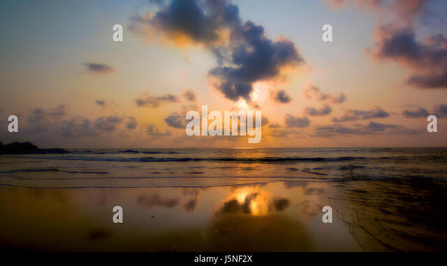 Le Miroir Stock Photos Le Miroir Stock Images Alamy