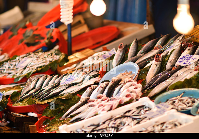 Fish market in istanbul stock photos fish market in for Fresh fish market near me