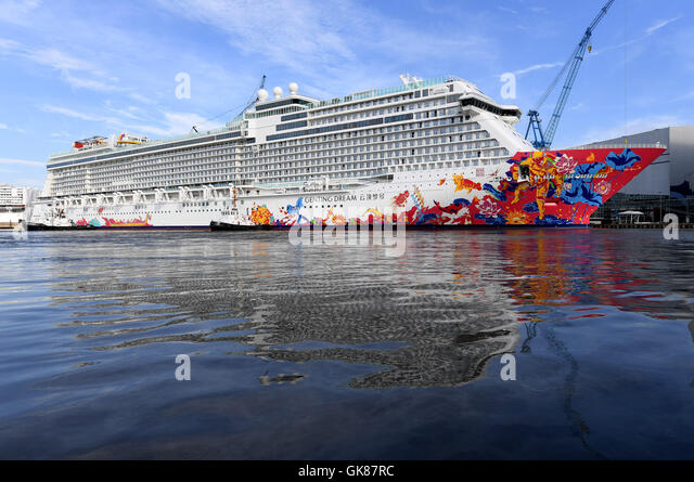 Genting Dream Cruise Ship Stock Photos Amp Genting Dream