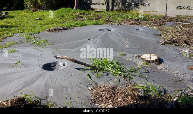 Liquefaction earthquake stock photos liquefaction for Soil liquefaction