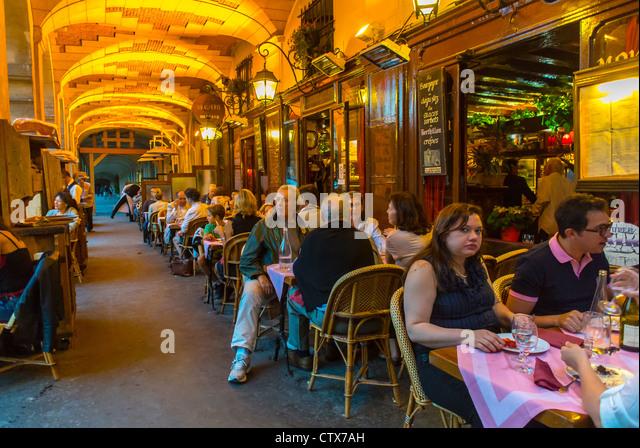 Bar  Caf Ef Bf Bd Tour Montparnasse