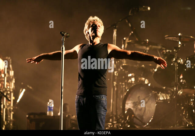 jon bon jovi new york stock photos jon bon jovi new york stock images alamy. Black Bedroom Furniture Sets. Home Design Ideas