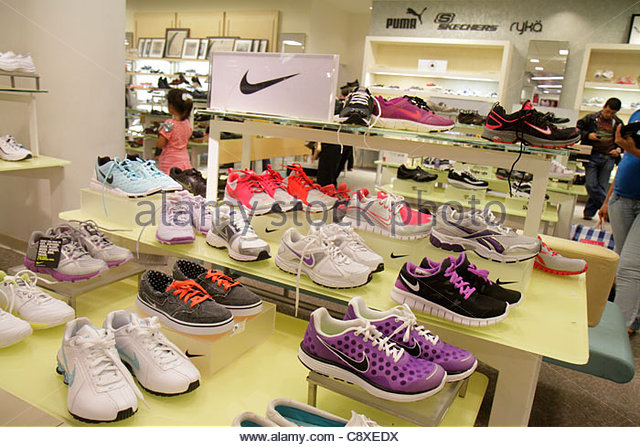 nike store outlet miami