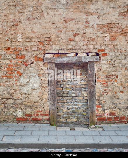 cracked brick wall with bricked up doorway - Stock Image & Bricked Up Doorway Stock Photos \u0026 Bricked Up Doorway Stock Images ... Pezcame.Com