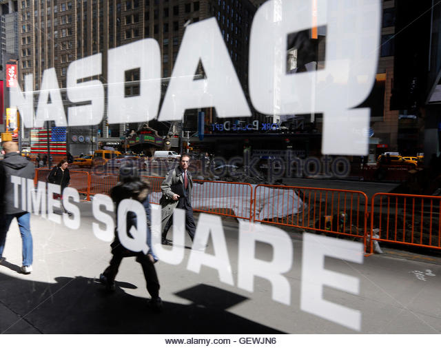 Nasdaq Logo Seen On Exterior Stock Photos & Nasdaq Logo Seen On ...