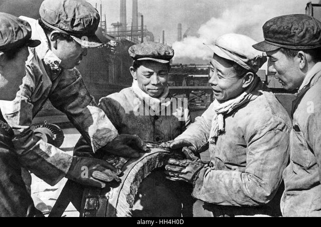 workers and the industrial revolution During the period of time between 1865 and 1900, the united states was going  through a difficult time the country had just come out of a war and, at the same.
