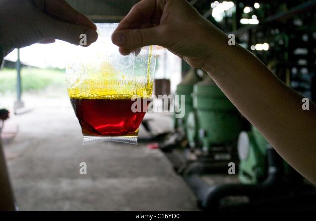 Crude Oil Sample Stock Photos & Crude Oil Sample Stock Images - Alamy