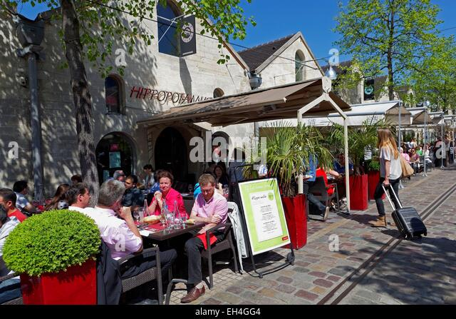 Paris bercy village stock photos paris bercy village stock images alamy - Cours saint emilion paris ...