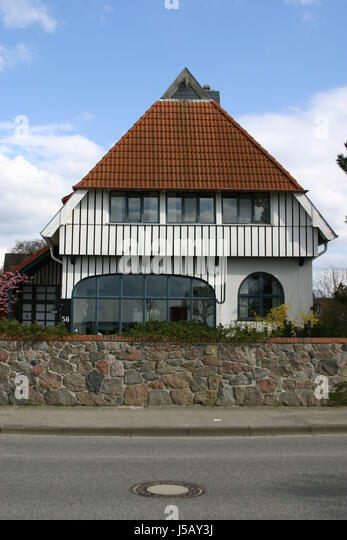 panoramafenster framehouse holiday home redecorates gabled house weie villa 316 stock image preise