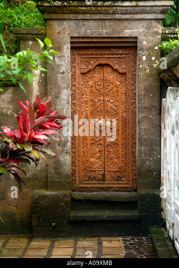 Entrance Door in Balinese House - Stock Image & Balinese Doors Stock Photos \u0026 Balinese Doors Stock Images - Alamy Pezcame.Com