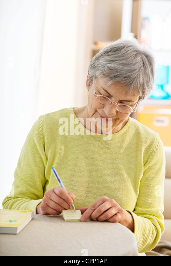 interview elderly person - essay The interview with a msbrown, elderly person essay example 629 words | 3 pages by herself what are some problems that the elderly may face living alone.