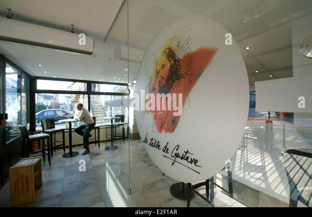 Ornans stock photos ornans stock images alamy La table de gustave ornans
