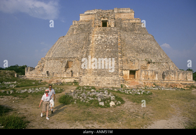 an overview of the ruined ancient city chichen itza Chichen itza tour from cancun, this is one for the bucket list the ancient mayan city of chichen itza mexico was one of the most prominent governmental centers in the mayan world.