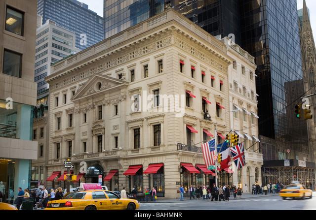 Cartier Shop Fifth Avenue Stock Photos & Cartier Shop Fifth Avenue ...