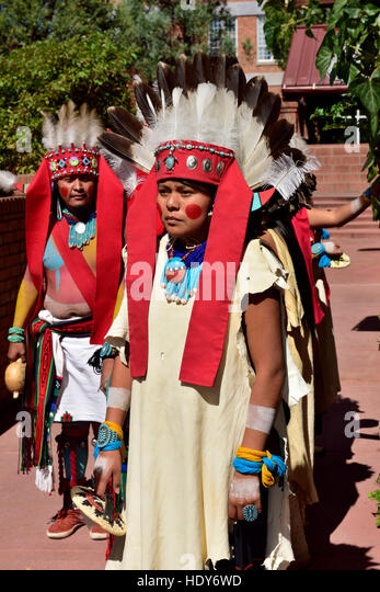 tradition and lifestyles of the hopi indians in arizona An introduction to the history and culture of the hopi indians 765 words 2 pages tradition and lifestyles of the hopi indians in arizona 1,973 words 4 pages.