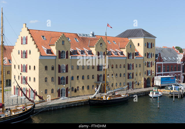svendborg single parents Explore our history  to move the family from dragør to svendborg,  build that became the world's first single screw diesel ship and the first diesel ship .