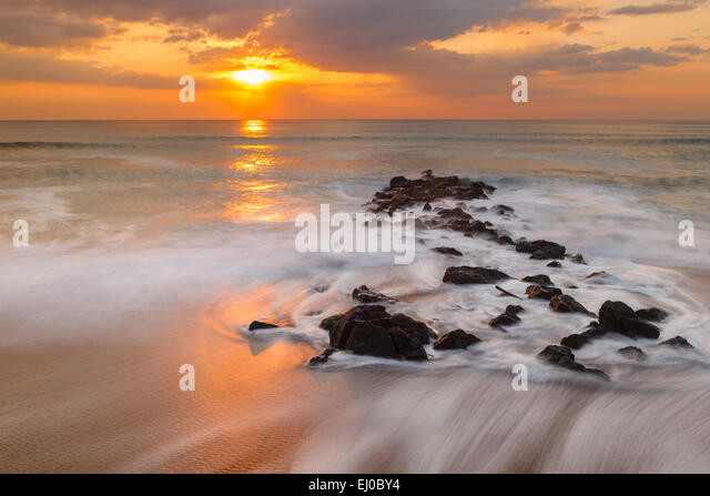 Chambre damour beach sunset biarritz stock photos for Biarritz chambre d amour